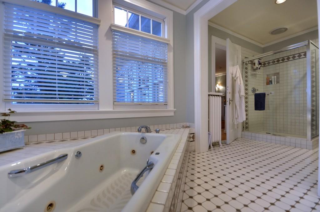 Bathroom [1017 E Blaine St]